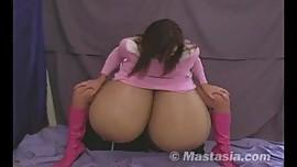 Mastasia Mindy milks the book