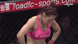 Pretty mma fighter in fight 2