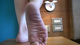 Akina Hovers Her Giant Sexy Feet Over You!