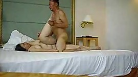 Cheating asian BBW gets fucked in hotel room