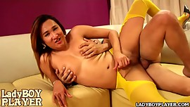 Rock hard boner ladyboy wears sexy yellow pantyhose to suck and fuck
