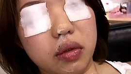 Asian lady gets fooled in beauty saloon